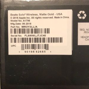Beats by Dr. Dre Accessories - PACKAGED, UNUSED WIRELESS BEATS